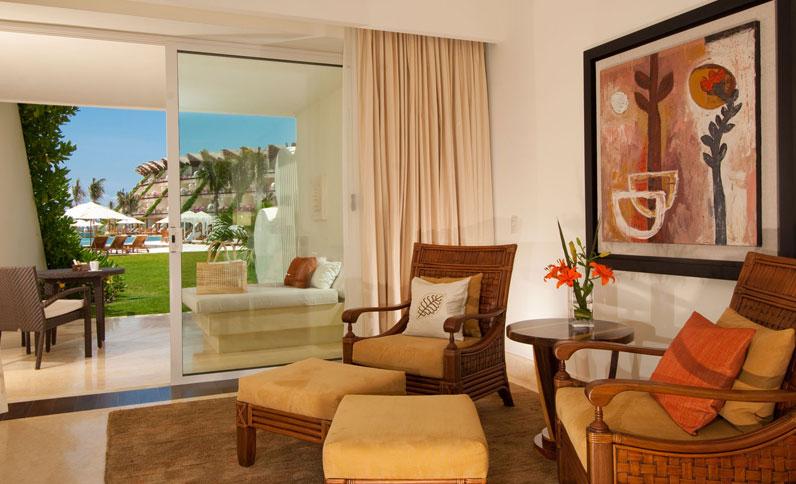 Living Area at Ambassador Suite