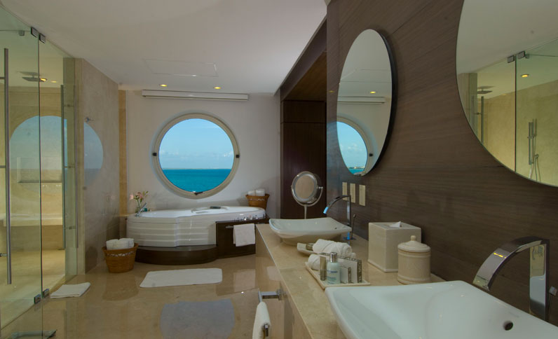 Bathroom in Ambassador Presidential Suite