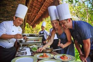 Mayan Chef Humberto May Tamay Teaches Guests Traditional Recipes at Resorts  Yucatán Restaurant